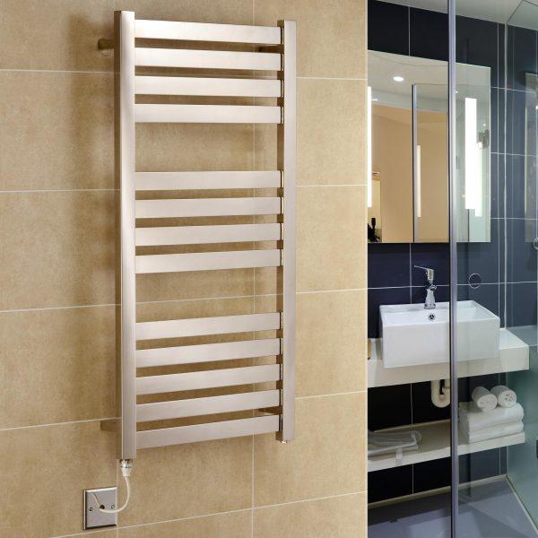 Algarve (Vas) Electric Stainless Steel Towel Rail 500 x 760mm
